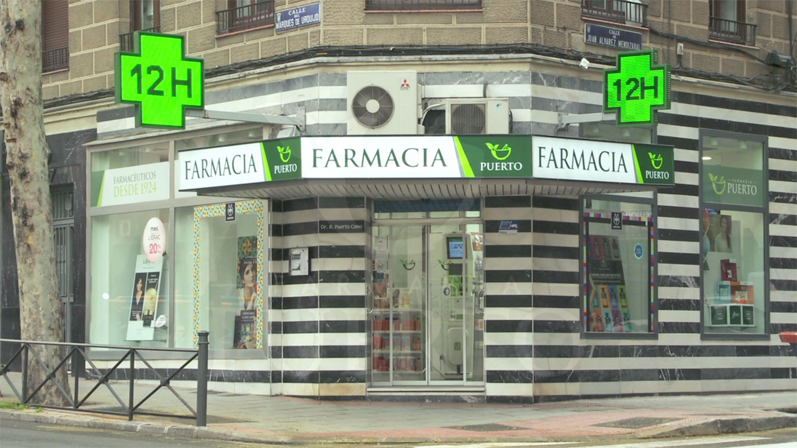 Fachada de la Farmacia Puerto.