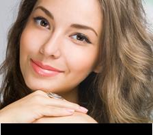 Farmacia Puerto dispone de gamas de cosméticos faciales.